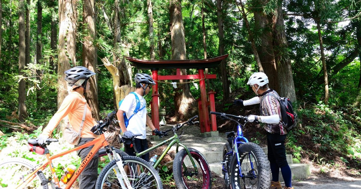 Downhill Cycling on a Fat Bike through an Abandoned Village.【The 2020 tour is over】